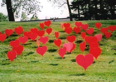 Red Hearts Lawn Displays